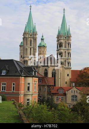 Magdeburg, Deutschland. 01st Nov, 2016. Blick auf den Dom von Naumburg/Saale (Sachsen-Anhalt), aufgenommen am 01.11.2016. - Stock Photo