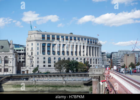Unilever House, 100 Victoria Embankment, Unilever global headquarters head office. New Bridge Street, Victoria Embankment, - Stock Photo