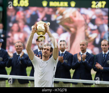 Andy Murray (GBR) with the trophy at the Wimbledon Championships 2016, London, England - Stock Photo
