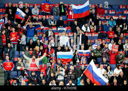 Helsinki, Finland. 5th Nov, 2016. Russia's fans cheer during their 2016/17 Euro Hockey Tour Karjala Cup ice hockey - Stock Photo