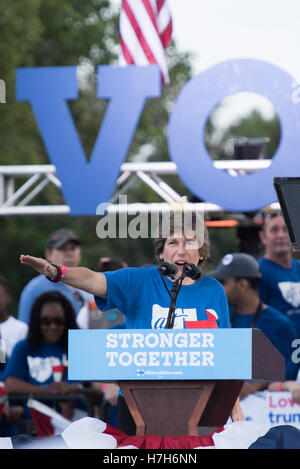 Randi Weingarten, AFT President, at campaign rally in Pembroke Pines, Florida, for Hillary Clinton for President. - Stock Photo
