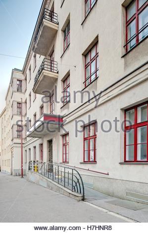 Wien, Gemeindebau des Roten Wien, Vienna, Council Tenement Block, Red Vienna, ehemalige Telefonvermittlungszentrale - Stock Photo