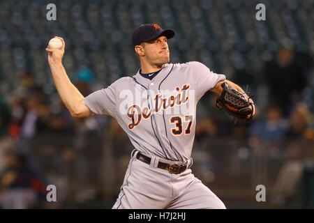 September 15, 2011; Oakland, CA, USA;  Detroit Tigers starting pitcher Max Scherzer (37) pitches against the Oakland - Stock Photo