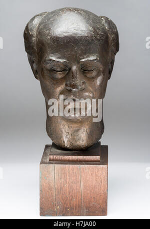 Bust of Rudolph Loos, patinated plaster sculpture 1957 by French sculptor Jean Henninger - Stock Photo