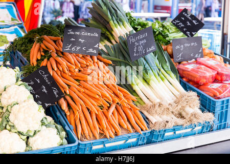 Cauliflower, carrots and leek for sale at the  weekly street market in Aubel, Belgium - Stock Photo