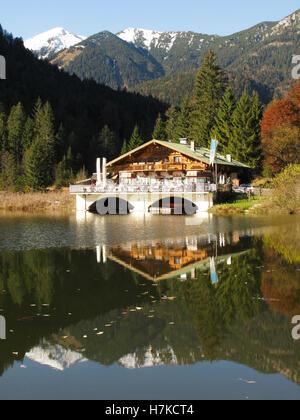 Guesthouse, restaurant on Pflegersee lake near Garmisch Partenkirchen on the Kramerplateauweg trail, Upper Bavaria - Stock Photo