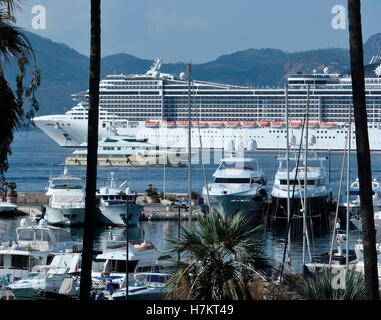 AJAXNETPHOTO. 2016. CANNES, FRANCE. - COTE D'AZUR RESORT - LOOKING WEST ACROSS THE BAY OF CANNES WITH SUPER YACHTS - Stock Photo
