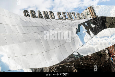 Grand Central shopping centre exterior at Birmingham New Street station, Birmingham, England.  Editorial usage only. - Stock Photo