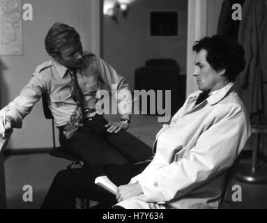 TATORT: Der Mann aus Zimmer 22 / Schweigepflicht, D 1974, ULLI LOMMEL (re) - Stock Photo