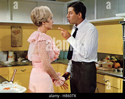 janet leigh jerry lewis three on a couch 1966 stock photo royalty free image 30941604 alamy. Black Bedroom Furniture Sets. Home Design Ideas