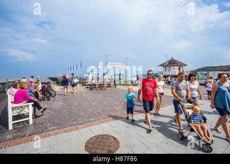 beach promenade at the Baltic Sea seaside resort of Binz on the island of Rügen, Mecklenburg-Vorpommern, Germany - Stock Photo