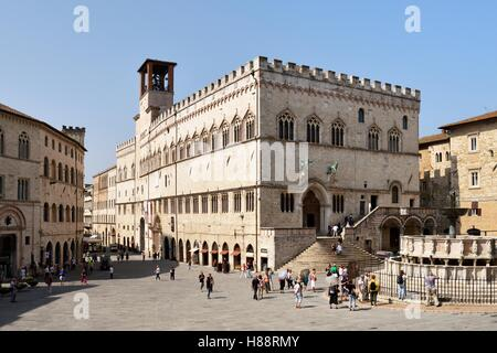 Prior's Palace, Palazzo dei Priori, Piazza IV Novembre, Perugia, Umbria, Italy - Stock Photo