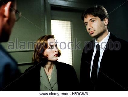 Akte X - Die unheimlichen Fälle des FBI, (THE X-FILES) USA-CAN 1995, GILLIAN ANDERSON, DAVID DUCHOVNY - Stock Photo