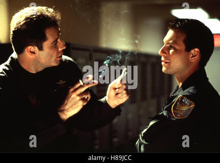 Operation: Broken Arrow, (BROKEN ARROW), USA 1996 Regie: John Woo, JOHN TRAVOLTA, CHRISTIAN SLATER, Stichwort: Zigarette, - Stock Photo