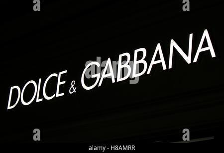 das Logo der Marke 'Dolce und Gabbana', Berlin. - Stock Photo