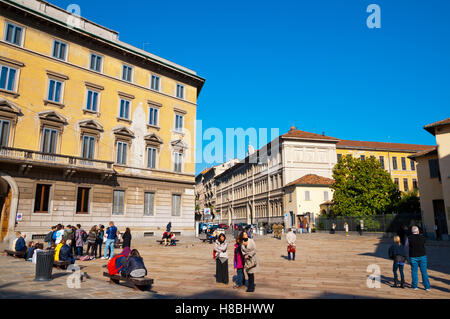 People waiting to see Leonardo da Vinci's Last Supper, Piazza di Santa Maria delle Grazie, Milan, Lombardy, Italy - Stock Photo