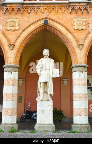 Statue of Giotto, Piazza Prato della Valle, Padua, Veneto, Italy - Stock Photo