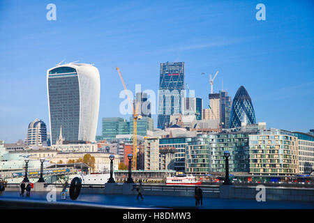 London, UK. 11th Nov, 2016. London Bridge.  City skyline on sunny but cold morning Credit:  Dinendra Haria/Alamy - Stock Photo