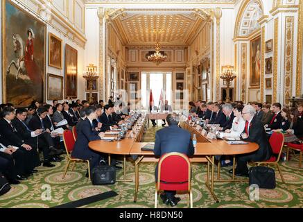 London, UK. 10th Nov, 2016. Chinese Vice Premier Ma Kai co-chairs the 8th China-Britain Economic and Financial Dialogue - Stock Photo