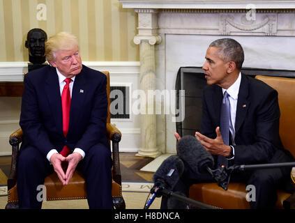 Washington, Us. 10th Nov, 2016. United States President Barack Obama meets US President-elect Donald Trump in the - Stock Photo