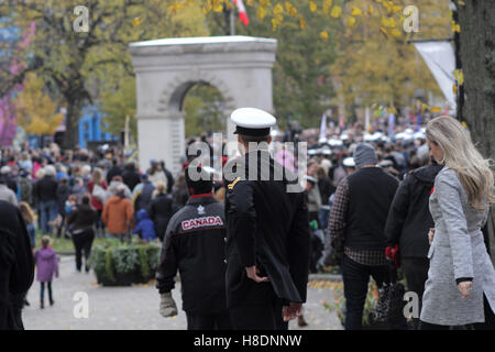 Halifax, Canada. 11th Nov, 2016. People gather during the Remembrance Day ceremonies at Parade Square in Halifax, - Stock Photo