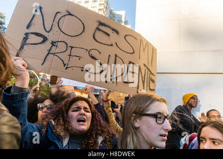 New York, USA 11 November 2016 - Three days after the Presidential Election about 4000 Clinton supports continue - Stock Photo