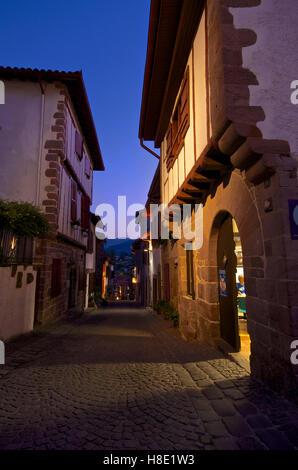 Amis du Chemin de St Jacques, Rue de la Citadelle, St Jean Pied de Port, France - Stock Photo