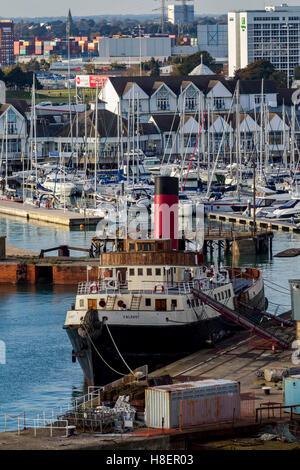 Veteran tug boat Calshot moored in Southampton, u.k. - Stock Photo