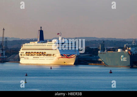 P&O Oriana moored before the start of a cruise in Southampton. - Stock Photo