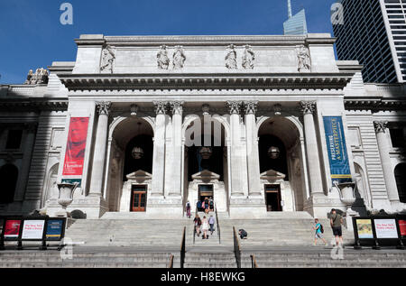 The entrance to the New York Public Library in Manhattan, New York City, United States. - Stock Photo