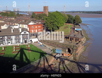 The Mersey Hotel, Widnes West Bank, Cheshire, England, UK - Stock Photo