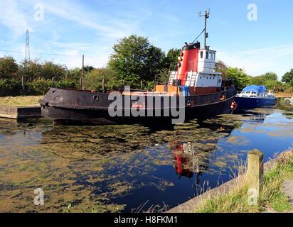 Canal tug at Fidlers Ferry Sailing Club, Penketh, Warrington, Cheshire , England, UK - Stock Photo