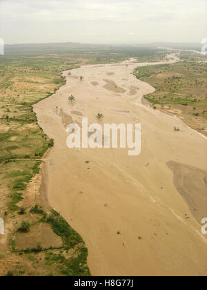4th September 2005 A flooded wadi, a river in the desert, between Kutum and El Fasher in northern Darfur, Sudan. - Stock Photo