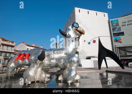 Frankreich, Cote d Azur, Nizza, Musee d´Art Moderne et d´Art Contemporain, Museum für Moderne Kunst an der Promenade - Stock Photo