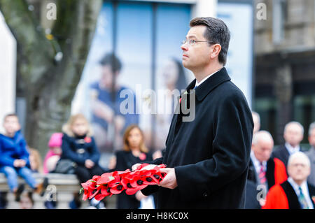 Belfast, Northern, Ireland. 13th Nov, 2016. Secretary of State for Northern Ireland, James Brokenshire, lays a wreath - Stock Photo
