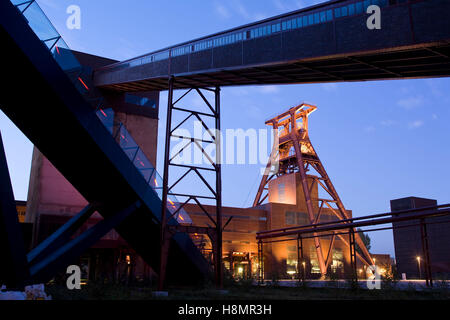 Germany,  Ruhr Area, Essen, industry monument Zeche Zollverein, shaft XII, on the left the escalator to the visitor - Stock Photo