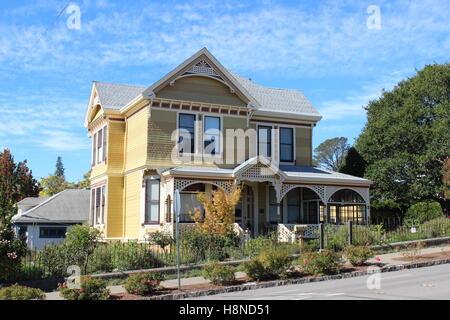 Queen Anne-style 1892 house built in Petaluma, California - Stock Photo