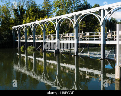 Marsh Lock, Weir, River Thames, Henley-on-Thames, Oxfordshire, England - Stock Photo