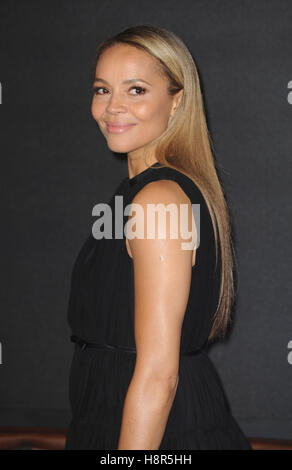 London, UK.15th Nov, 2016. Carmen Ejogo attends the European premiere of 'Fantastic Beasts And Where To Find Them' - Stock Photo