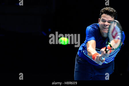 London, UK. 15th Nov, 2016. Barclays ATP World Tour Finals 02 Arena London UK Novak Djokovic SRB v Milos Raonic - Stock Photo