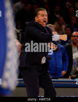 New York, New York, USA. 23rd Feb, 2016. Kentucky Wildcats head coach John Calipari as Kentucky defeated Michigan - Stock Photo