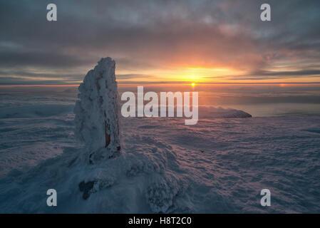 Auf dem Nordenskiölfjellet in der Abenddämmerung Sunset in arctic landscape, Nordenskiöldfjellet,  Spitsbergen, - Stock Photo