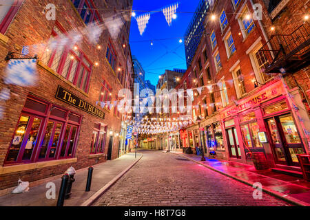 NEW YORK CITY - NOVEMBER 12, 2016: Stone Street in the Financial District of Manhattan. - Stock Photo