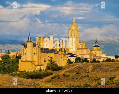 Spain, Castile and Leon, Segovia, View towards the old town with famous Alcazar and Cathedral. - Stock Photo