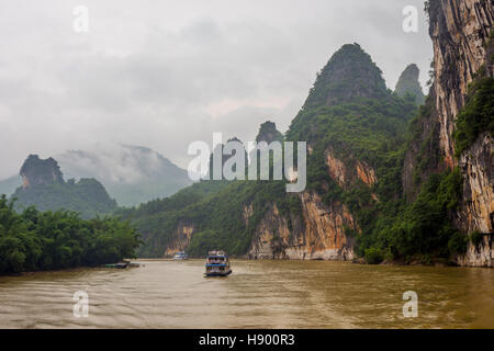 Boat cruise on Li river, Guangxi Zhuang, China - Stock Photo