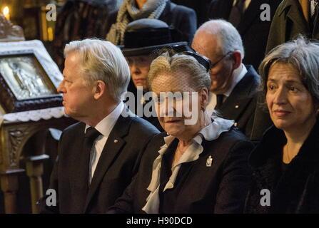 Copenhagen, Denmark. 10th Jan, 2017. Prince Dimitri Romanovich Romanov's widow Dorrit Reventlow (C) during a funeral - Stock Photo