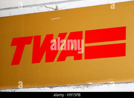das Logo der Marke 'TWA', Berlin. - Stock Photo