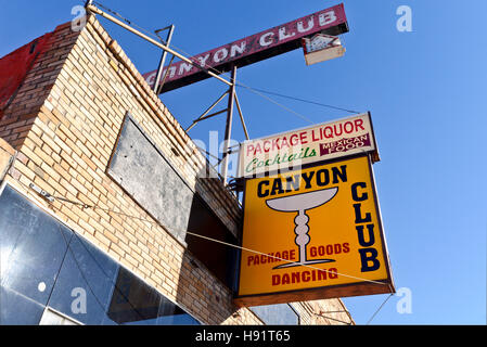 The front sign for the Canyon Club in Williams Arizona - Stock Photo