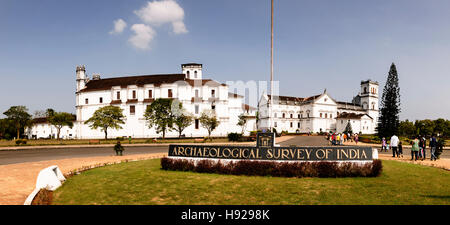 Archaeological museum and the Se Cathedral in Old Goa. - Stock Photo