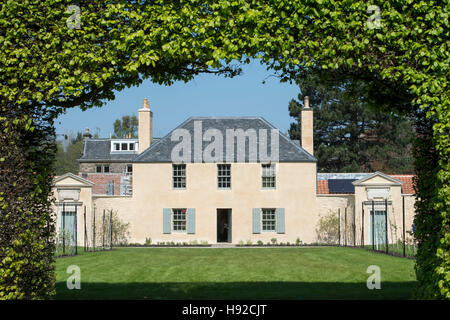 The newly restored Georgian Cottage within the grounds of the Royal Botanic gardens, Edinburgh. - Stock Photo